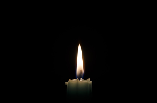 candle-1144728_640