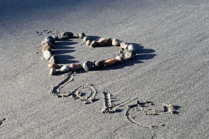 love-735567_640